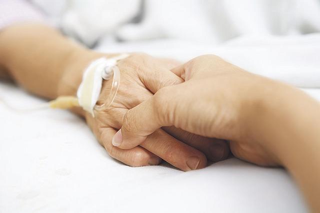 cure_palliative_mani_ospedale